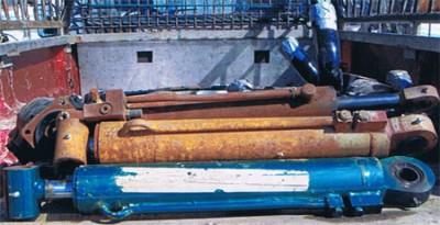 Cylindres hydrauliques, Presse, Machinerie lourde, Atelier d'usinage et de soudure, Fonderie, Extrusion